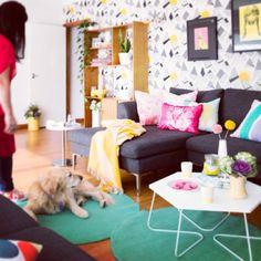 I love a bright lounge