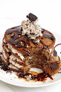 Oreo Pancakes (or Cookies and Cream Pancakes) | Grandbaby Cakes