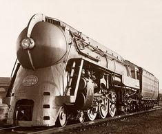 American industrial designer Henry Dreyfuss envisaged the locomotive and Pullman cars of the New York Central System's 1938 20th Century Limited, which sped passengers between Chicago and New York. His bulbous locomotive was a radical departure from previous versions. (May 2003)  Courtesy National New York Central Railroad Museum, Courtesy Luminator Mass Transit Products, Joel Baldwin, Billy Cunningham, Courtesy of the Burlington Northern Santa Fe.