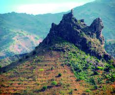 """Résultat de recherche d'images pour """"cabo verde ilha de santiago"""" Cabo, Mountains, Nature, Travel, Block Island, Saint James, Green, Naturaleza, Trips"""
