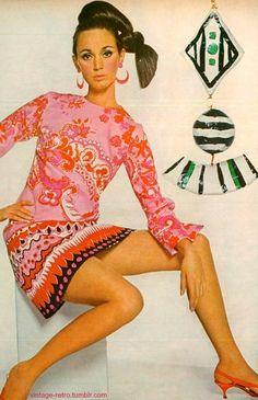 Vogue 1966 60s And 70s Fashion, 60 Fashion, Retro Fashion, Vintage Fashion, Icon Fashion, Womens Fashion, Vintage Chic, Mode Vintage, Vintage Vogue