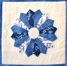 Dresden: La técnica de patchwork que nos permite crear flores o estrellas. os dejo tutorial y patrón.