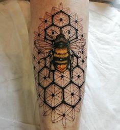 Dope Tattoos, Body Art Tattoos, Small Tattoos, Sleeve Tattoos, Tatoos, Honey Bee Tattoo, Bumble Bee Tattoo, Dr Tattoo, Tatoo Art