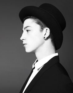 (Ash Stymest) hello everyone! Yes I am the mad hatter and no I do not wear this hat all the time, I also don't look funny! Ha those a re myths, but I am mad... Anyway where is Alice?