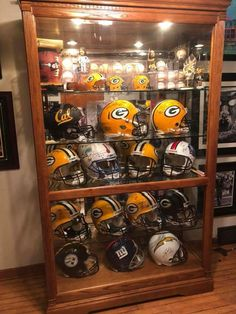 Man Cave Basement, Man Cave Garage, Curio Cabinet Decor, Sports Man Cave, Stadium Seats, Man Of The House, Basketball Birthday, Peaceful Places, Game Room