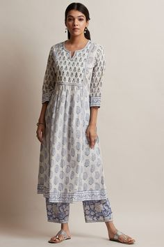 Designer Wear: Shop Designer Ethnic Wear by Farida Gupta Casual Indian Fashion, Fashion In, Indian Fashion Dresses, Dress Indian Style, Indian Designer Outfits, Indian Designers, Simple Kurta Designs, Stylish Dress Designs, Kurta Designs Women