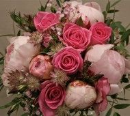 Pink roses and peonia flowers #weddings #flowers