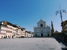 Cityguide: Visiter Florence en 4 jours | Glob'escapades San Francisco Ferry, Barcelona Cathedral, Louvre, Building, Travel, Florence Italy, Viajes, Buildings, Destinations