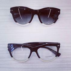 """""""A Natale puoi..."""" Essere unica con i nuovi occhiali della collezione AW 2017 di @maisonvalentino  Scegli il tuo modello. Spediamo in tutto il mondo!  #eyewear #cisternadilatina #iloveotticabua #sunglasses #valentino #valentinosunglasses #valentinoeyewear"""