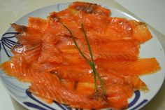 how to make smoked salmon Easy Cooking, Cooking Recipes, Canapes, Smoked Salmon, Sashimi, Sin Gluten, Fish And Seafood, Tapas, Clean Eating