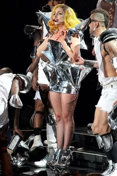 lady-gaga-delighted-to-work-with-lady-gaga-on-monster-ball-tour - more triangles just to make it weird Lady Gaga Outfits, Lady Gaga Fashion, Stage Outfits, Dance Outfits, Lady Gaga Costume, The Fame Monster, Lady Gaga Pictures, Queen, Celebs
