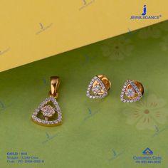 Beautiful Pendant sets to your attire. Diamond Mangalsutra, Gold Mangalsutra Designs, Gold Earrings Designs, Diamond Jewellery, Gemstone Jewelry, Diamond Earrings, Real Gold Jewelry, Delicate Jewelry, Women Jewelry