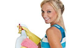 Efficace, économique, non toxique et facile à faire ! Qu'attendez-vous pour faire votre propre nettoyant multi-usages ?! Ce produit naturel tuera germes et bactéries, dégraissera, et fera briller toute votre maison. Grâce à cette recette pour fabriquer soi-même son nettoyant, vous respecterez l'environnement de votre maison, votre santé et votre portefeuille !