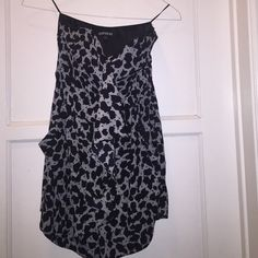 Express romper size 2 Excellent condition. Worn once. Great for summer. Express Dresses