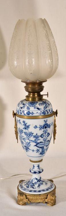 Meissen Blue Onion Pattern Lamp.