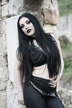 Model, MUA: Kali Noir Diamond Photography: Vanic Photography Welcome to Gothic and Amazing |www.gothicandamazing.org