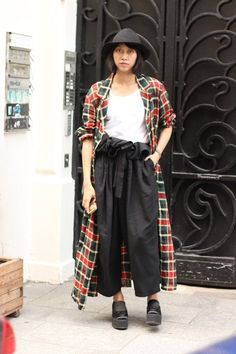 #YohjiYamamoto #platform #hat #tartan  #vintage #fashion #mode #moda #women #paris #look #streetstyle #streetview #street #style #offcatwalk on #sophiemhabille
