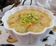 Zupa ryżanka - PrzyslijPrzepis.pl Cheeseburger Chowder, Curry, Soup, Curries, Soups