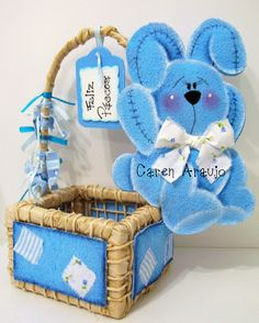 description Easter, Christmas Ornaments, Holiday Decor, Bb, Ideas, Felt Decorations, Easter Bunny, Basket Gift, Baskets