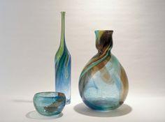 Bengt Orup: Johansfors, Dish and vases from the 'Spontaneous' series Bottle Vase, Bottles, Kosta Boda, Glass Ceramic, Vases, Art Decor, Glass Art, Dish, Mid Century