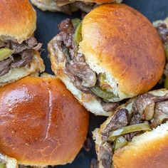 My Philly Cheesesteak Sliders are so ridiculously easy-to-make. They are the definition of comfort food made easy. Gather all your ingredients in one baking dish and the sandwiches will be pulled apart when served! Cheesesteak Stuffed Peppers, Cheesesteak Recipe, Blueberry Scones Recipe, Strawberry Scones, Kolaczki Recipe, Beef Lo Mein Recipe, Philly Cheese Steak Sliders, Peach Cookies, Low Carb Lasagna
