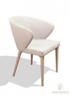Tøff og moderne Vigo spisestol med armlener. Stolen er tilgjengelig i totalt 4 forskjellige farger  #furniture #møbler #dining #chair #spisestol #fabric #stoff