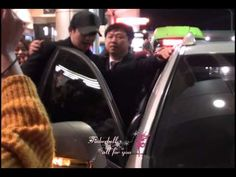 121124 kim hyun joong fancam - Gimpo Airport / Time 2:12 - Posted 24NOV2012 - 6K views.