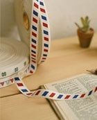 A pretty airmail label tape - non adhesive, no sticky back. Can be used for side labels or strings for bags. Also adds a touch for cute packaging. 100% cotton.width: 1.5cm (15mm)Length: 1 yard $4.00