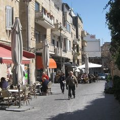 Betzalel and Shatz Pedestrians in Jerusalem: a vibe and colorful urban atmosphere  http://www.yom-yom.co.il/tip.php?category=6=704
