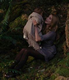 Rosalie hale and baby reneesme-twilight breaking dawn part2