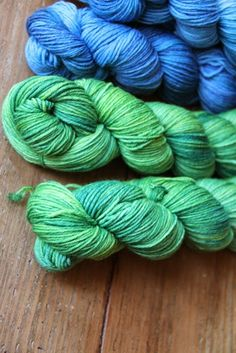 Rosy Green Handdyed by Spinnwebstube