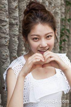 공승연 공승연 탤런트  출생 1993. 2. 27. 서울특별시 신체 165cm, 44kg 소속사 유코컴퍼니 학력 성신여자대학교 미디어영상연기학과 Gong Seung Yeon, Chinese Actress, Korean Beauty, Beautiful Actresses, Korean Actors, Pretty Girls, Kdrama, Flower Girl Dresses, Celebs