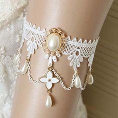 Fantastic Faux Pearl Decorated Leaf Clover Shape Lace Body Jewelry