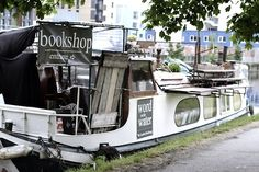 precognitivelens:        the bookshop boat - strangest bookshop i've ever come across.