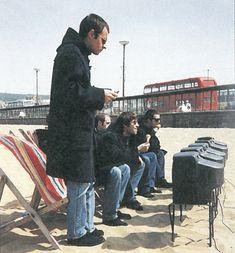 and, er, thingy — On location for the single sleeve for'Roll With... Oasis Music, Oasis Band, Liam And Noel, Noel Gallagher, My Images, Sleeve, Manga, Finger, Manche