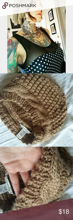 American Rag slouchy beach or winter beanie hat Knitted knit cable beanie Authentic Just sat in my closet. Never really ever used it. Super soft. Pretty urban sand tan color. Free People also has something similar to this one but not as soft. American Rag Accessories Hats