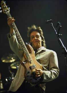 Paul Maccartney, The Quarrymen, Sir Paul, Hard Rock, Rock Bands, The Beatles, Instruments, Celebrities, Guitar Players