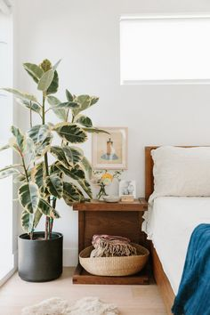 Tour the home of 100 Layer Cake's Kristina Meltzer in Marina Del Rey, California.