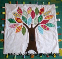 rag tree as a taggie blanket Baby Sewing Projects, Sewing For Kids, Sewing Crafts, Crafty Projects, Sewing Ideas, Wool Quilts, Baby Quilts, Baby Baby Baby Oh, Tag Blanket