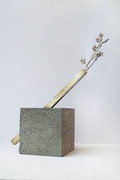 FAUX/REAL, VASCULPTURE2: maybe the best bud vase i've ever seen. #faux_real #concrete #vessel #vase