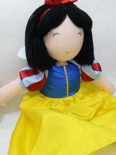 Boneca de pano confeccionada em malha de algodão.  Tamanho aproximado: 45cm