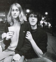 Kurt Cobain and Krist Noveselic NIrvana Nirvana Kurt Cobain, Kurt Cobain Young, Smells Like Teen Spirit, Louis Armstrong, Neil Armstrong, Dave Grohl, Punk, Kurt Tattoo, Mtv