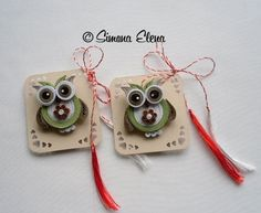 SimEl Art added a new photo. Quiling Paper, Paper Quilling, Handmade Rakhi, Quilling Animals, Diy And Crafts, Paper Crafts, Quilling Jewelry, Quilling Designs, Gift Tags