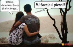 Foto divertente: Romanticismo tra innamorati nel XXI secolo