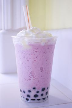 strawberry iced bubble tea