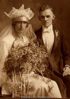 Stunning 1920s Vintage Wedding Photo