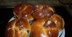 ht     Μπορούμε να χρησιμοποιήσουμε την ζύμη που φτιάχνουμε τα πασχαλινά μας τσουρέκια,η αν θέλετε χρησιμοποιήστε αυτήν  ΖΥΜΗ 150 ml γάλα 1 ... Bagel, Muffin, Bread, Food, Brot, Essen, Muffins, Baking, Meals