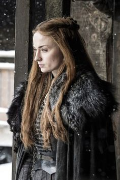 Sansa Stark, Sophie Turner game of thrones season 7 Game Of Thrones Sansa, Game Of Thrones Funny, Game Of Thrones Characters, Game Of Thrones Comic, Eddard Stark, Ned Stark, Sophie Turner, Sansa Stark Costume, Epic Costumes