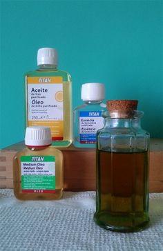 ¿PUEDO USAR ACEITE DE OLIVA EN LUGAR DE ACEITE DE LINO PURIFICADO? No es nada conveniente. Los únicos aconsejables en pintura son los considerados aceites secantes, como el de lino. Al usar aceite de oliva podríamos incluso llegar a extremos de pérdida total de secado en la mezcla. No te la juegues con tu trabajo: puedes diluir el óleo con ACEITE DE LINO PURIFICADO, ESENCIA DE TREMENTINA o MEDIUM ÓLEO TITAN.