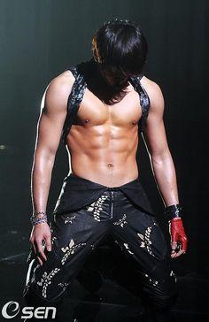 Bi Rain - jung-ji-hoon-Asia World Tour  1yr after Ninja Assassin.Love the weight gain...abs still rockin!